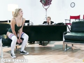 Dancer seduces casting manager for job
